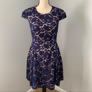 VINCE CAMUTO | Navy Blue Lace Short Sleeve Dress